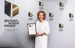 Daniela Grumbach, Director Marketing Home & Business, mit dem german brand award 2019