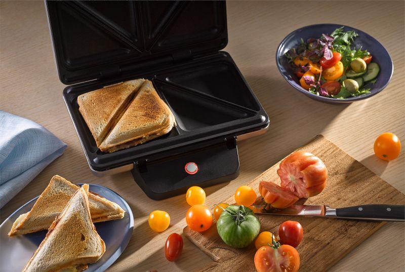 Sandwiches Gelingen Perfekt Im Hochwertigen LONO Sandwich Toaster.
